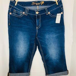 New women's Capri jeans